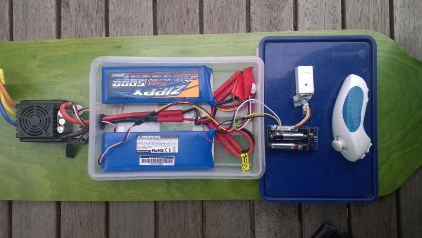 devduino V2 longboard controller, wiresless Wiichuck ESC and batteries